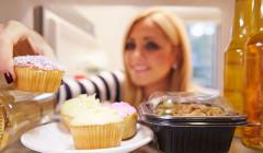Proč víkendy komplikují snahu o zhubnutí